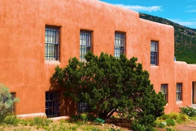 Santa Fe Landscape Pros - Landscape Maintenance and Restoration Service Page